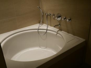 Badewanne mit Blick aufs Wasser. Herrlich Chillen und relaxen...