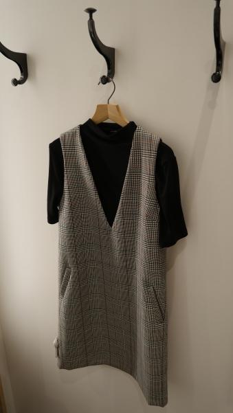 Kleid und Shirt von 'Someday'